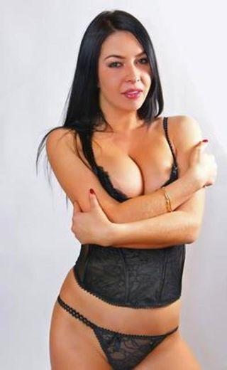 Noboni escort